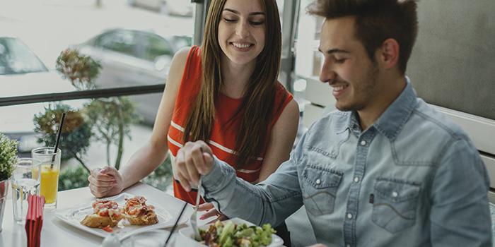 Jak stołować się przy małym budżecie? 5 cennych porad