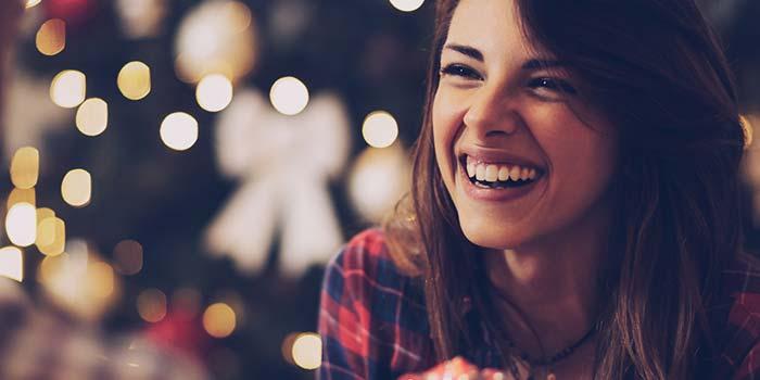 Magia wręczania prezentów: dlaczego dawanie prezentów innym zwiększa nasze szczęście